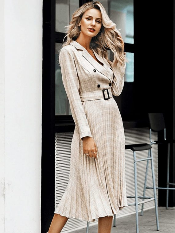 Beżowa długa sukienka żakietowa z paskiem w kratkę