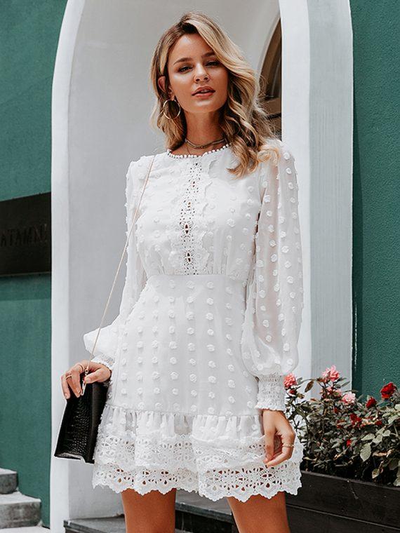 Biała sukienka z szyfonu plumeti i haftem 1