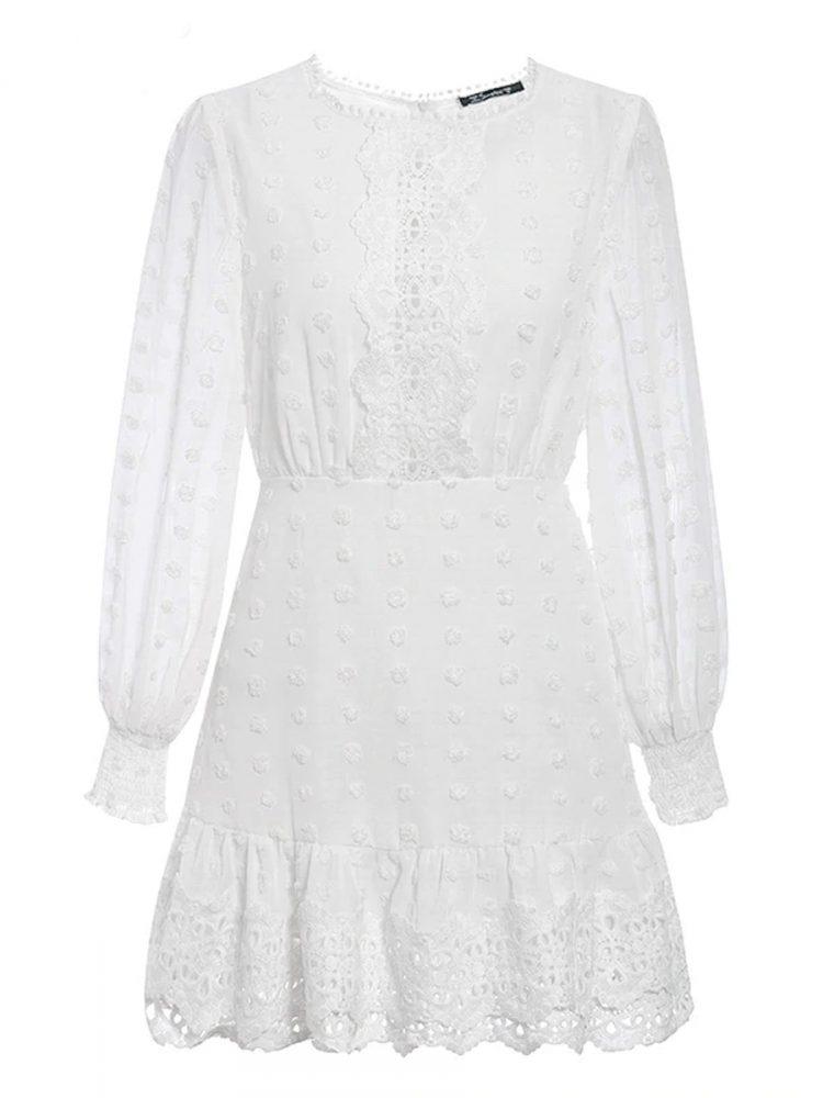 Biała sukienka z szyfonu plumeti i haftem