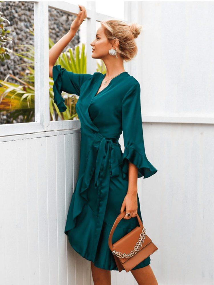 Butelkowa sukienka satynowa midi typu kimono wiązana 4