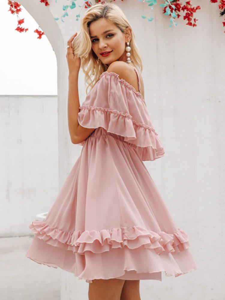 Sukienka szyfonowa pudrowy róż z odsłoniętymi ramionami 2