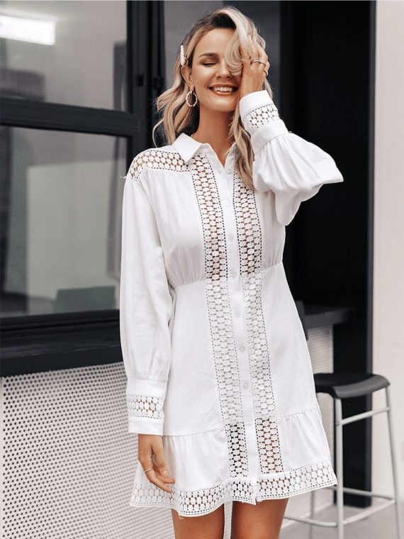 Biała koszulowa sukienka z gipiury długi rękaw