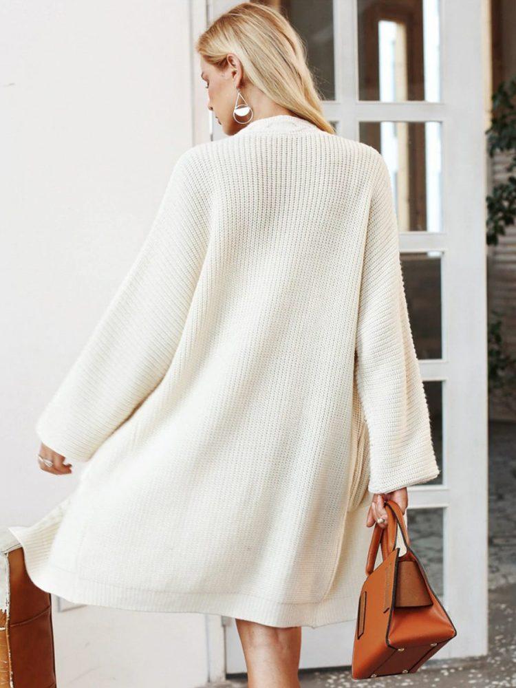 Biały gruby kardigan damski haftowany 4