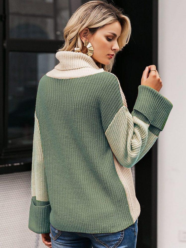 Kolorowy sweter z grubym golfem i mankietami 2