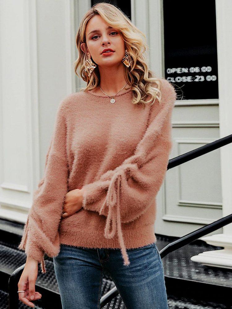 Łososiowy puchaty sweter z wiązaniem na rękawach 2