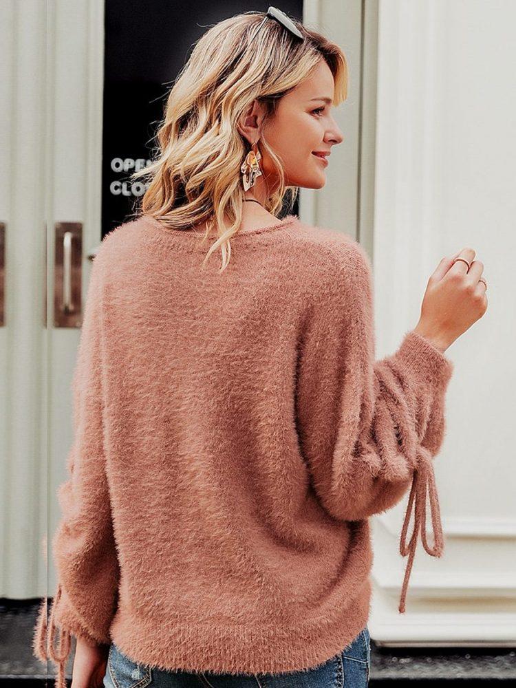Łososiowy puchaty sweter z wiązaniem na rękawach 3