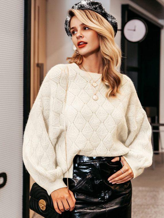 Luźny sweter w romby kremowy damski