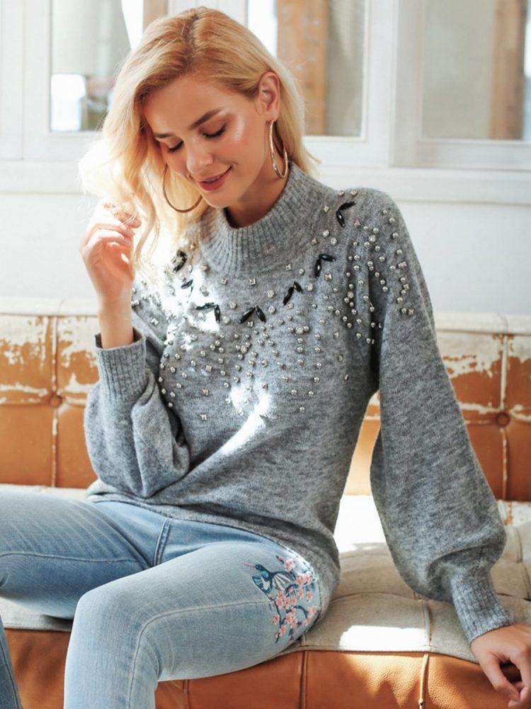 Melanżowy szary sweter z perełkami na przodzie 2
