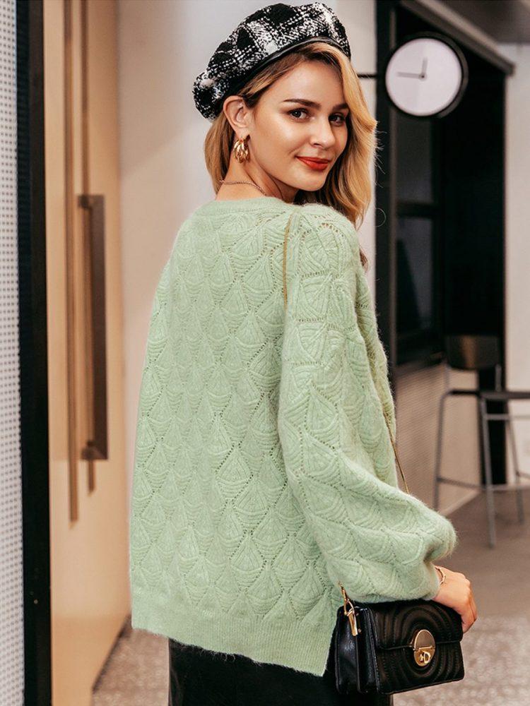 Miętowy sweter o luźnym kroju w tłoczone romby 1