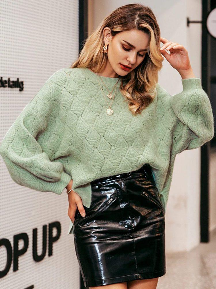 Miętowy sweter o luźnym kroju w tłoczone romby 2