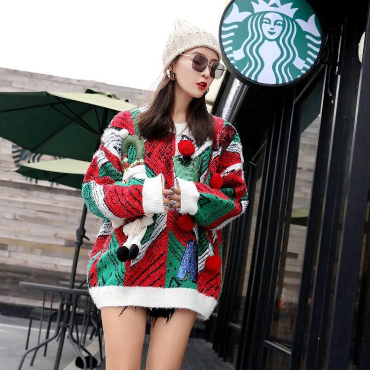 Czerwono zielony sweter świąteczny bożonarodzeniowy z wypukłym bałwanem i napisem 4