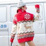 Czerwony damski golf sweter świąteczny z norweskim wzorem 1