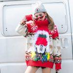 Czerwony damski golf sweter świąteczny z norweskim wzorem