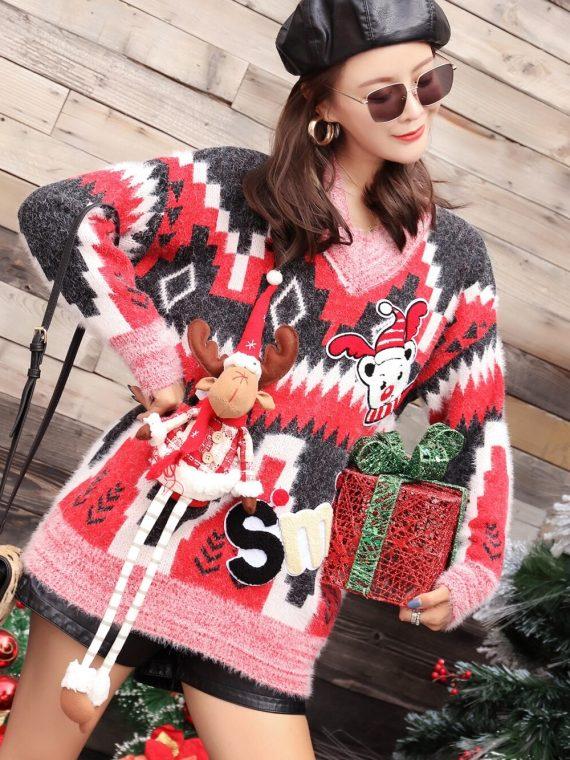 Grafitowy świąteczny sweter w geometryczne wzory z wystającym reniferem