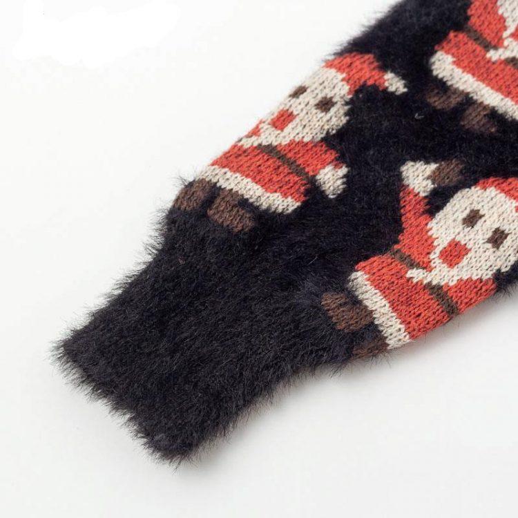 Moherowy sweter świąteczny wielokolorowy z motywem świętego mikołaja 1