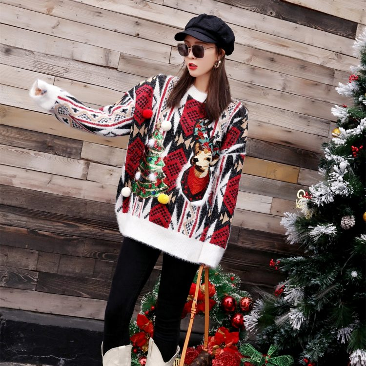 Oversizowy sweter świąteczny w norweski wzór z choinką i reniferem 4