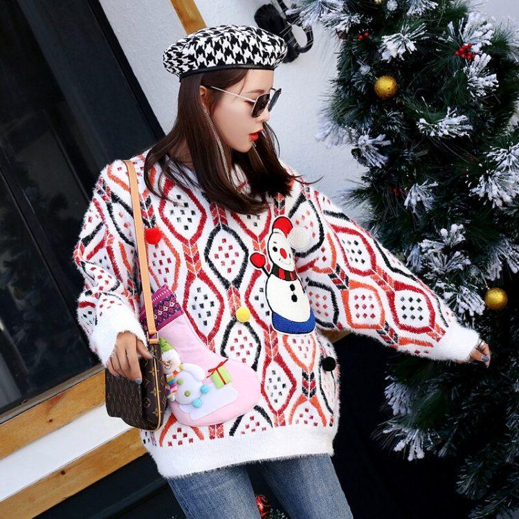 Wielokolorowy sweter damski świąteczny z naszywanym bałwanem 3D 1