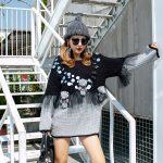 Dwukolorowy szaro czarny sweter z cekinami i wykończeniem tiulowym 5