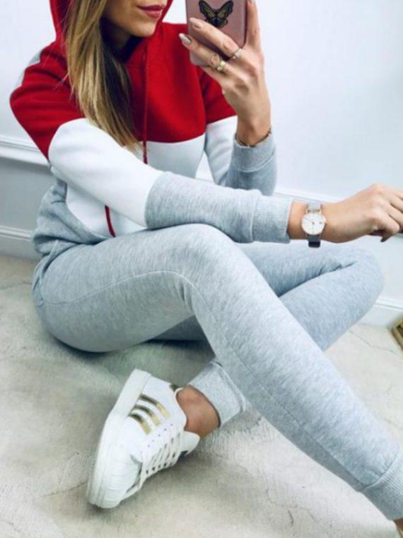 Kolorowy dres damski bawełniany z bluzą z kapturem w paski i spodniami