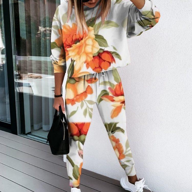 Kwiatowe dresy damskie cienkie z aplikacją w neonowych kolorach komplet