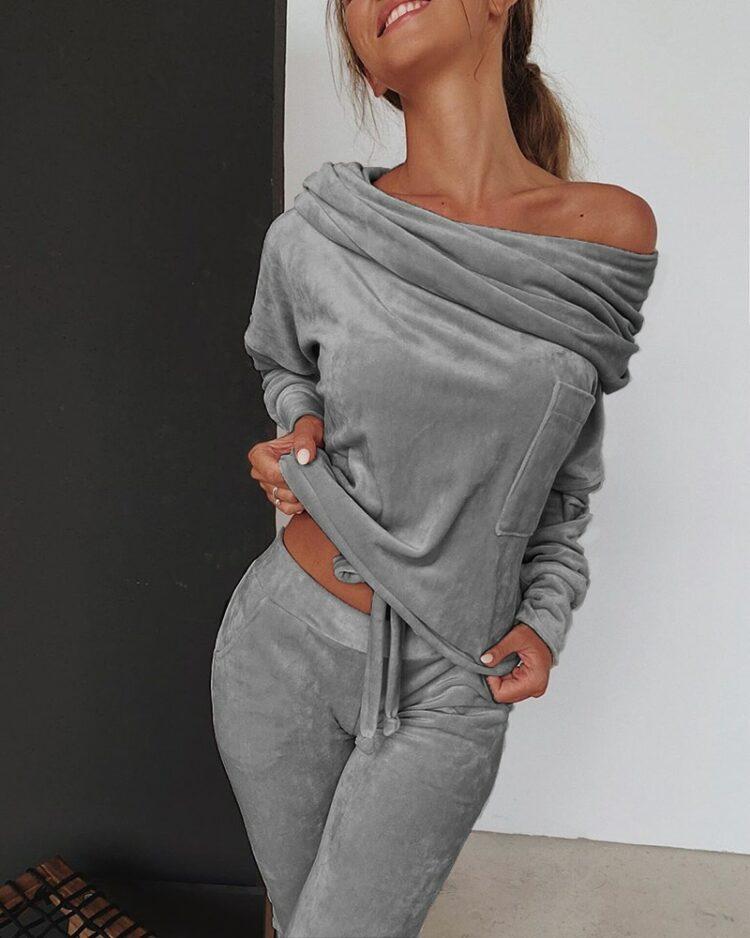 Zamszowe dresy damskie baggy w kolorze szarym z bluzą typu odkryte ramiona