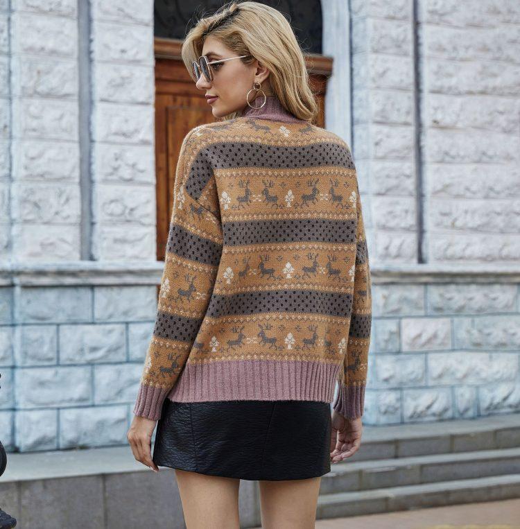 Żakardowy świąteczny sweter w kolorze brązowo grafitowym w renifery 3