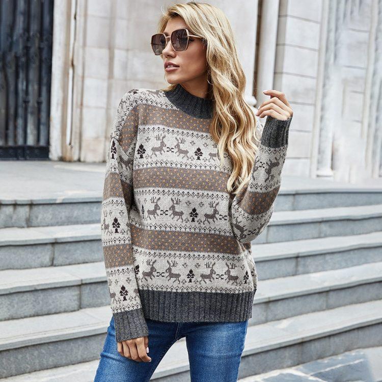 Żakardowy świąteczny sweter w kolorze brązowo grafitowym w renifery