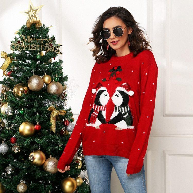 Czerwony świąteczny sweter damski z nadrukiem zakochanych pingwinów 1