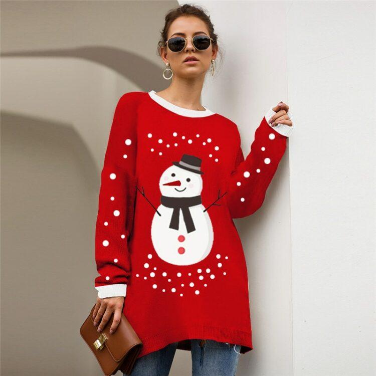 Czerwony sweter świąteczny tunika o dłuższym kroju z motywem bałwana