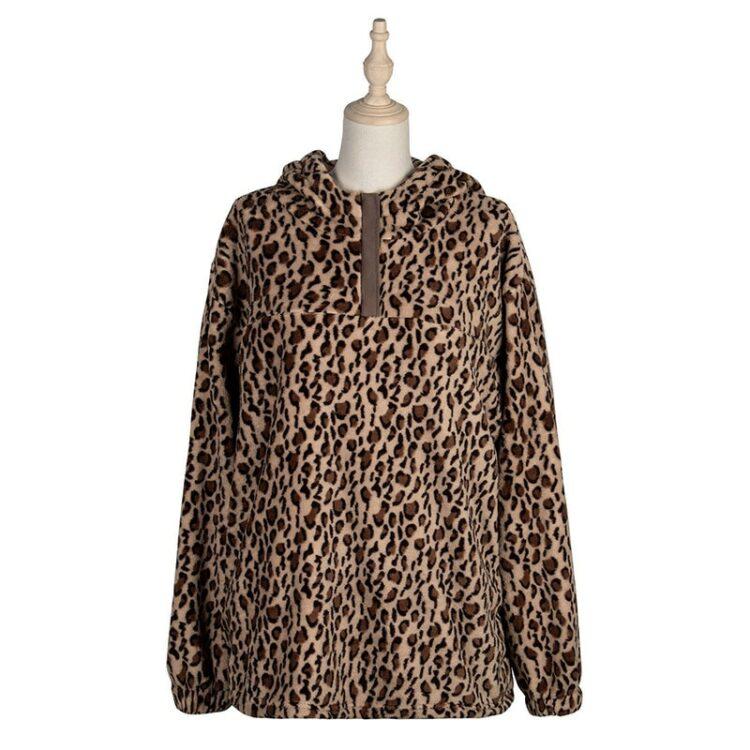 Damska bluza w panterkę o dłuższym kroju z łatami na rękawach 5
