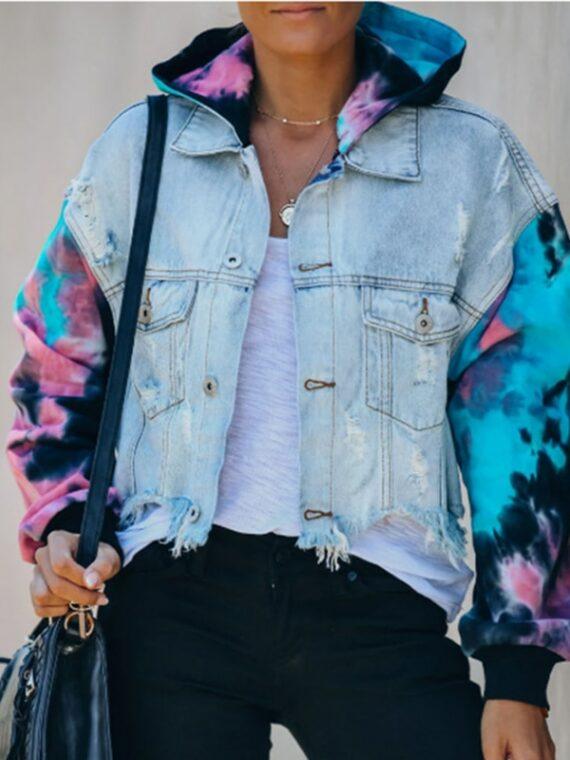 Damska jeansowa kurtka z bluzą i rękawami farbowanymi metodą tie dye