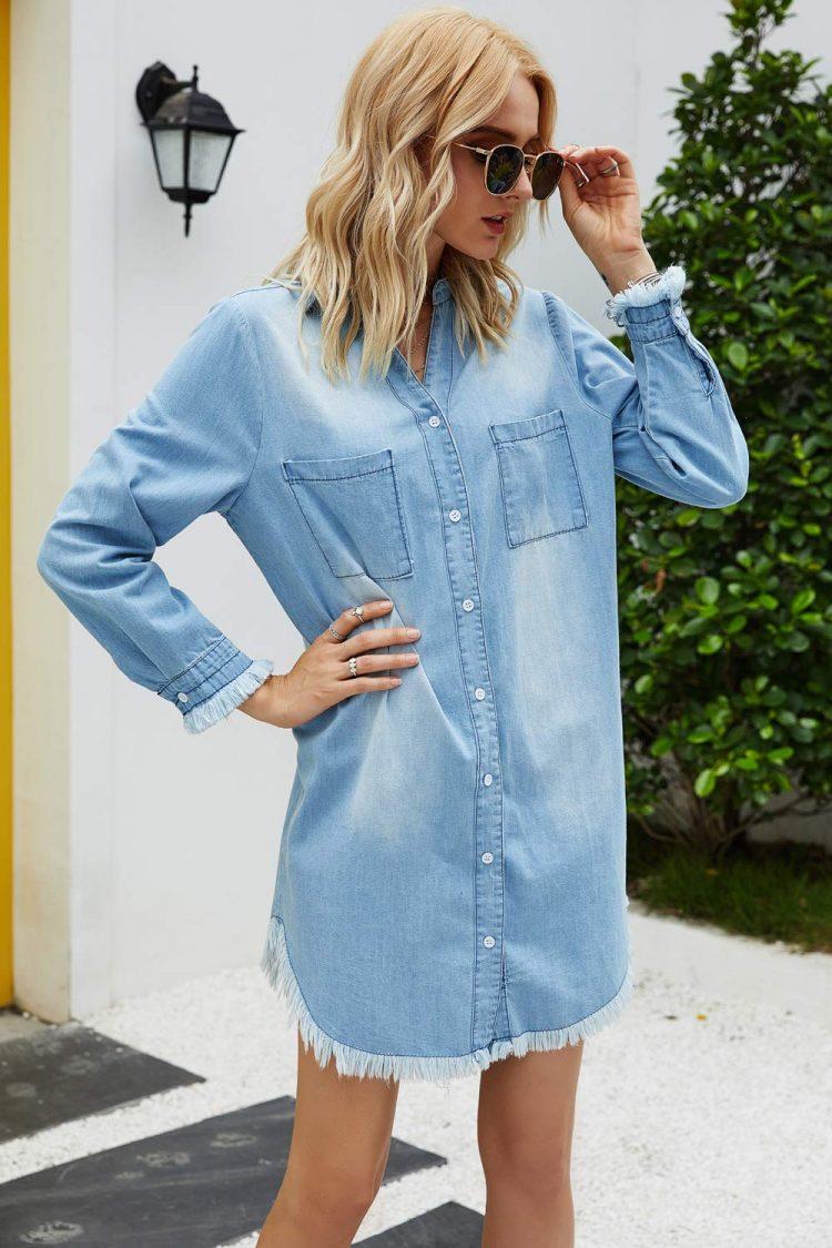 Damska koszula jeansowa w kolorze niebieskim w dużych rozmiarach 1