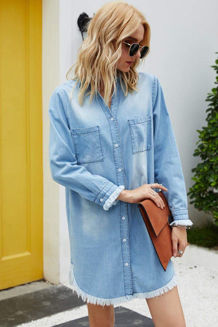 Damska koszula jeansowa w kolorze niebieskim w dużych rozmiarach 2