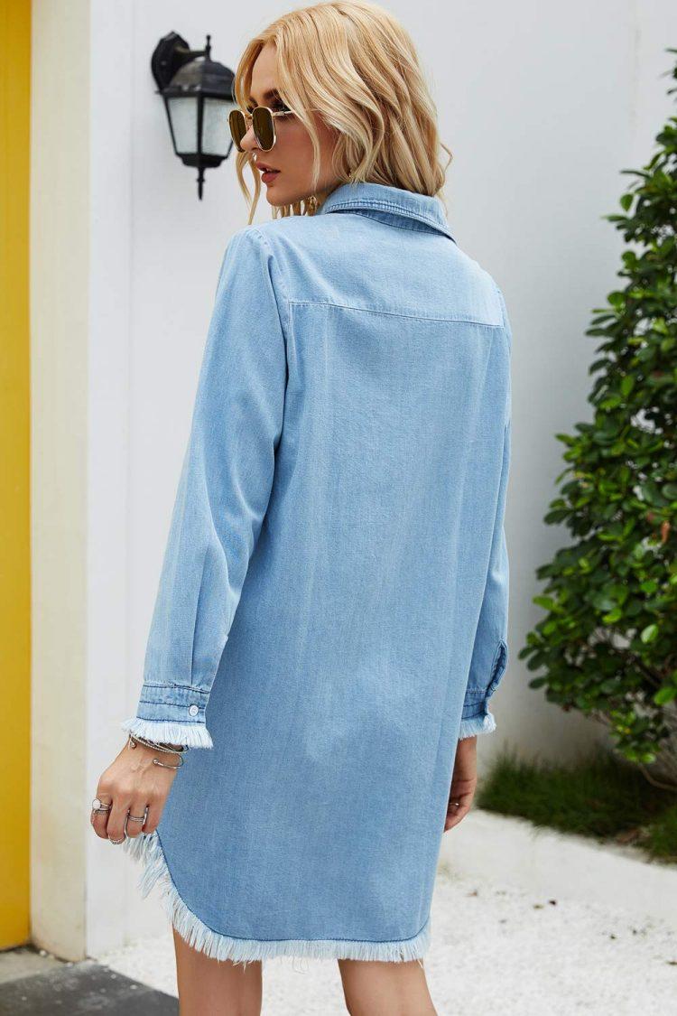 Damska koszula jeansowa w kolorze niebieskim w dużych rozmiarach 3
