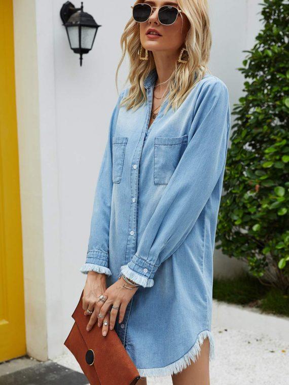 Damska koszula jeansowa w kolorze niebieskim w dużych rozmiarach
