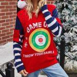 Granatowo czerwony sweter świąteczny śmieszny z tarczą i kieszonkami na rękawach 4