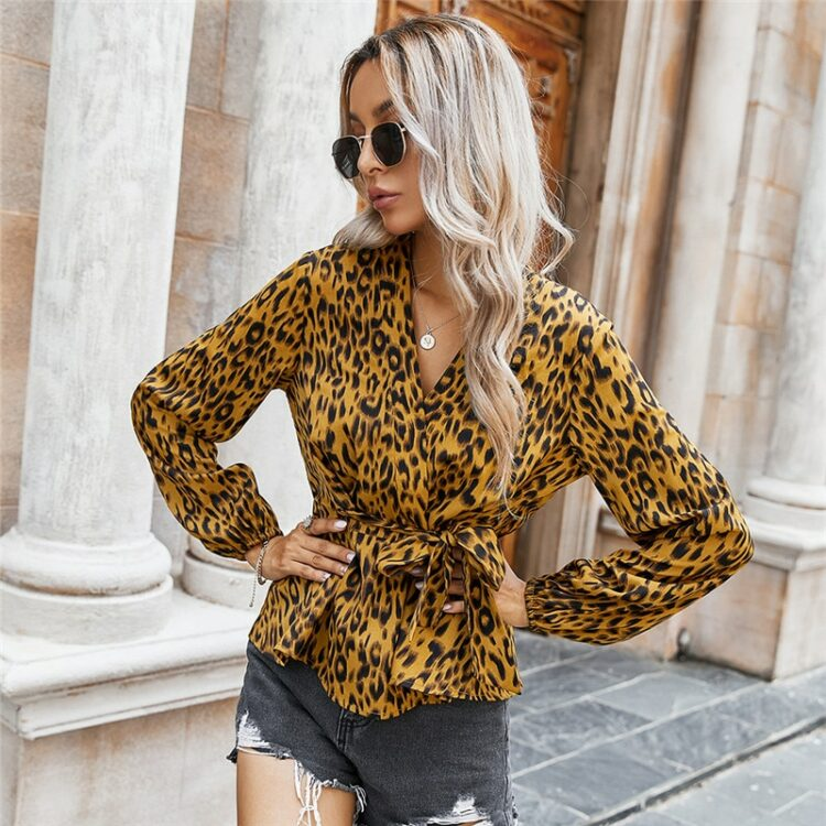 Kopertowa koszula damska z wiązaniem w pasie w lamparcie cętki 3