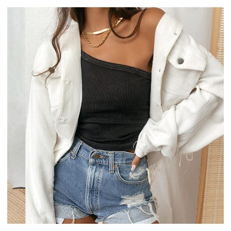 Kremowa damska kurtka jeansowa w sztruksowy wzór z wystrzępieniem 2