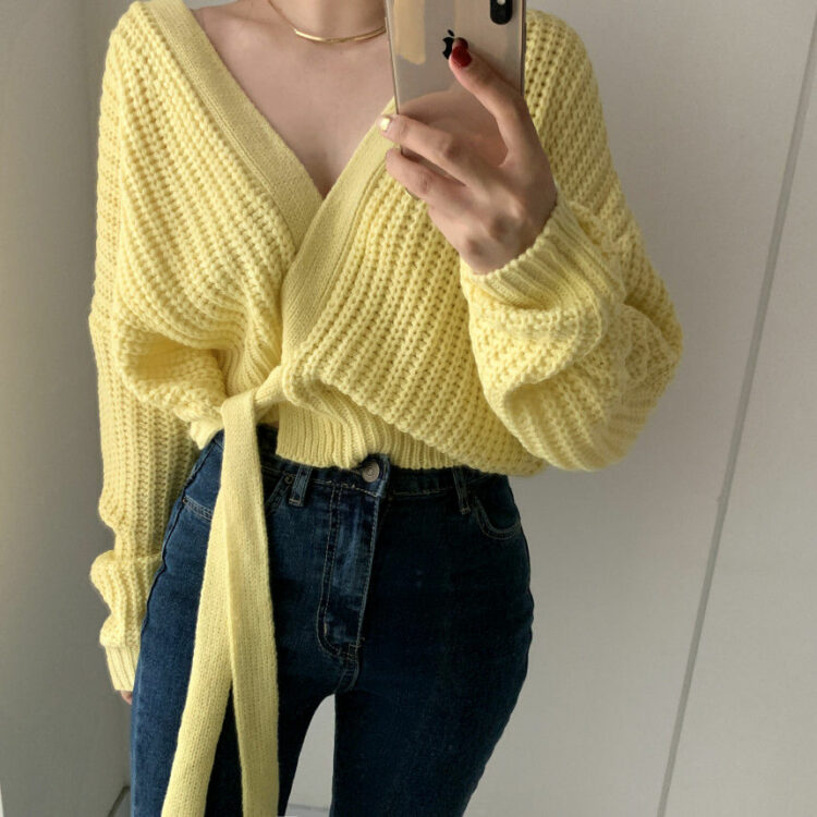 Liliowy sweter kopertowy z wiązaniem w pasie w stylu ovesize 1