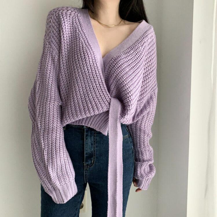 Liliowy sweter kopertowy z wiązaniem w pasie w stylu ovesize