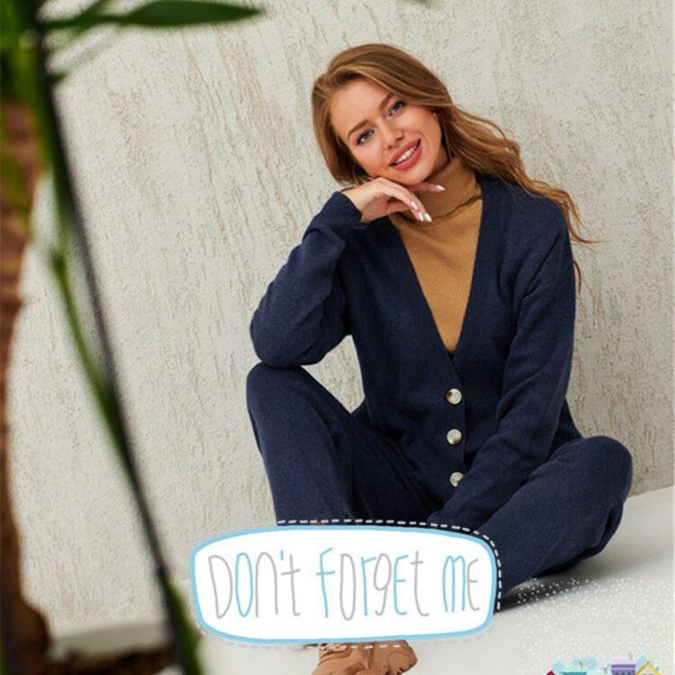 Miętowy dwuczęściowy zestaw damski ze swetrem zapinanym na guziki i spodniami dresowymi 2