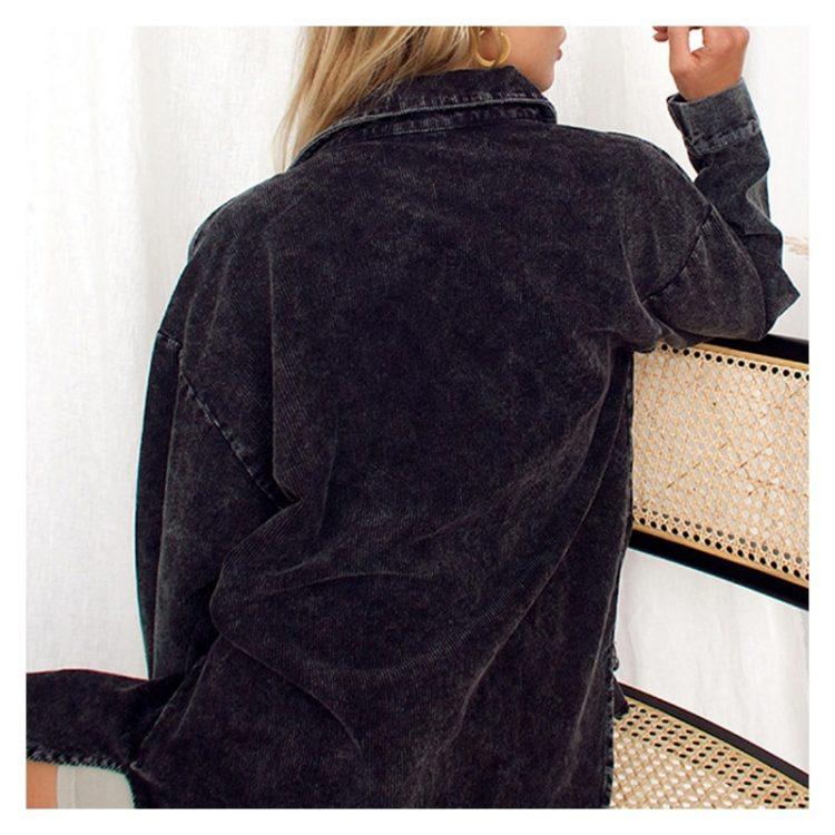 Oversizowa koszula jeansowa czarna damska z kieszeniami 2