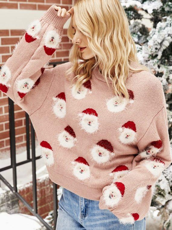 Pudrowy świąteczny sweter z aplikacją w mikołajki z naszywaną wystającą brodą