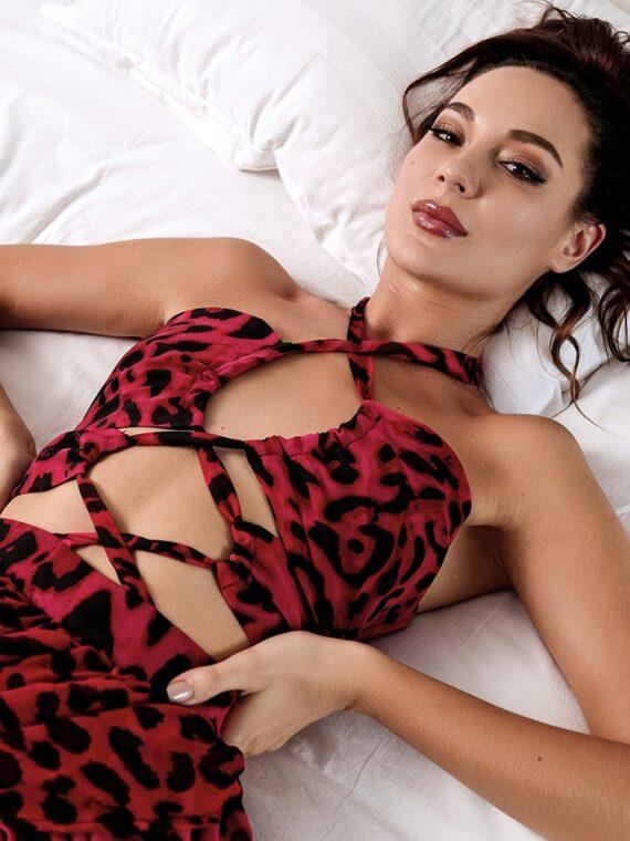 Maxi sukienka czerwona panterka z wycięciami na przodzie