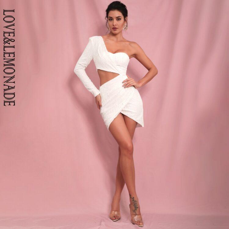 Biała sukienka z wycięciami w talii na jedno ramię 1