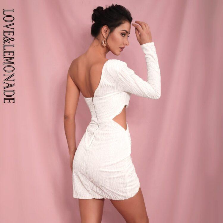 Biała sukienka z wycięciami w talii na jedno ramię 2