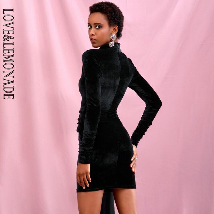 Czarna aksamitna sukienka z golfem i dłuższym bokiem 2