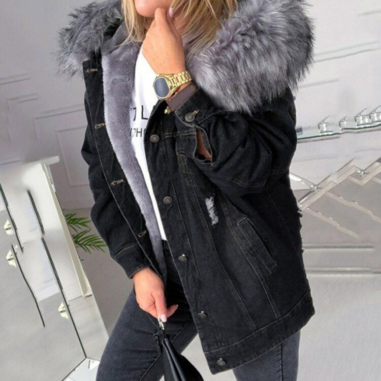 Czarna kurtka jeansowa z szarym futerkiem damska 1