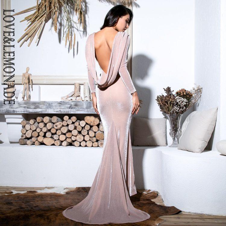 Długa jasno różowa sukienka rozkloszowana wieczorowa długi rękaw 2