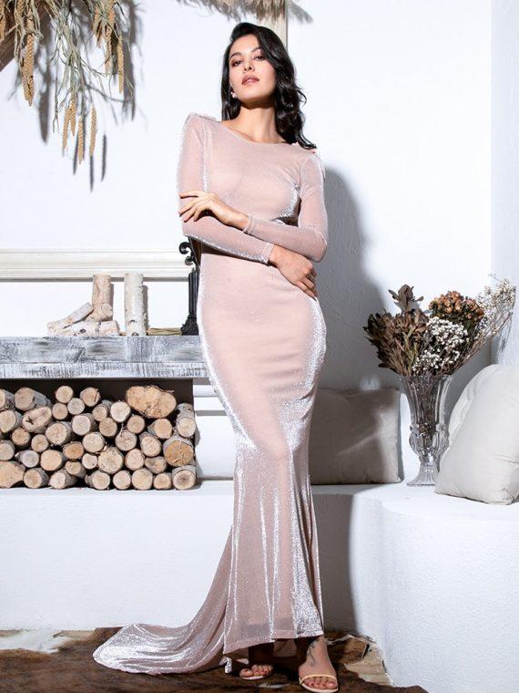 Długa jasno różowa sukienka rozkloszowana wieczorowa długi rękaw